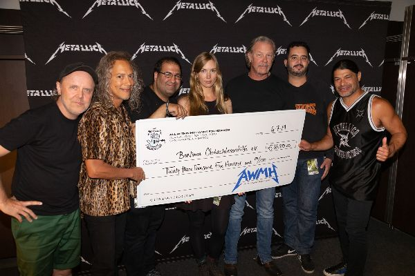 Metallica - Spenden in Berlin 2019 - 2
